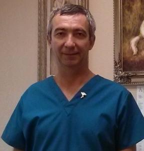 Dr Marius Hossu headshot